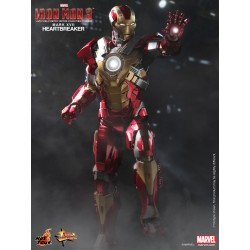 Hot Toys Iron Man 3 1/6 Scale Heartbreaker Mark 17 (XVII)  box corner damaged (FREE shipping)